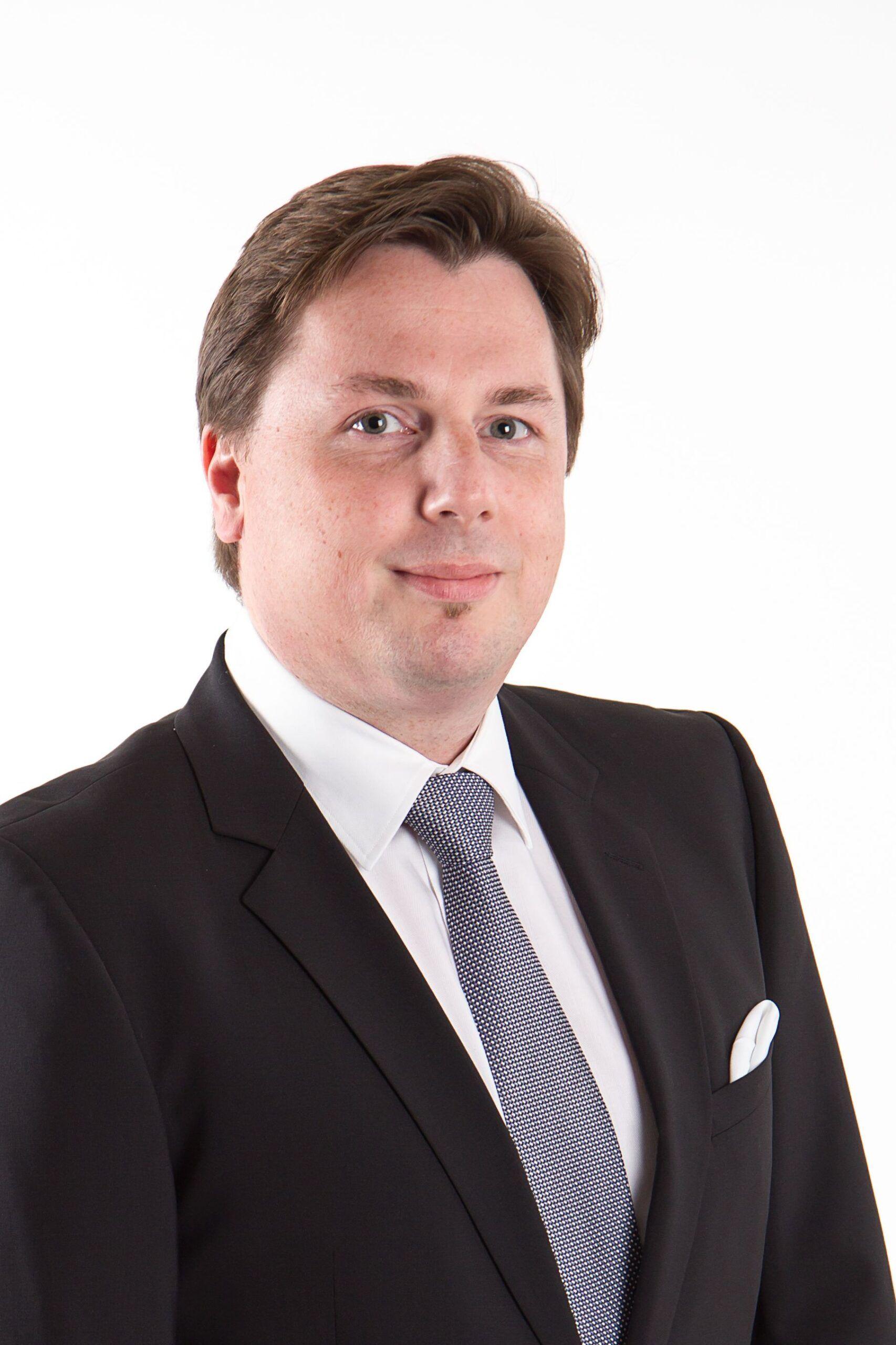 Manfred Zöhrer, CIIA